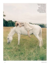 vogue-uk-2013-10-oct-3340